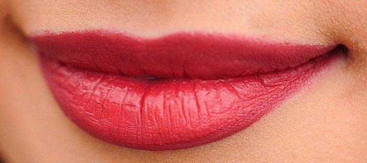 Comment faire tenir mon rouge à lèvres ?
