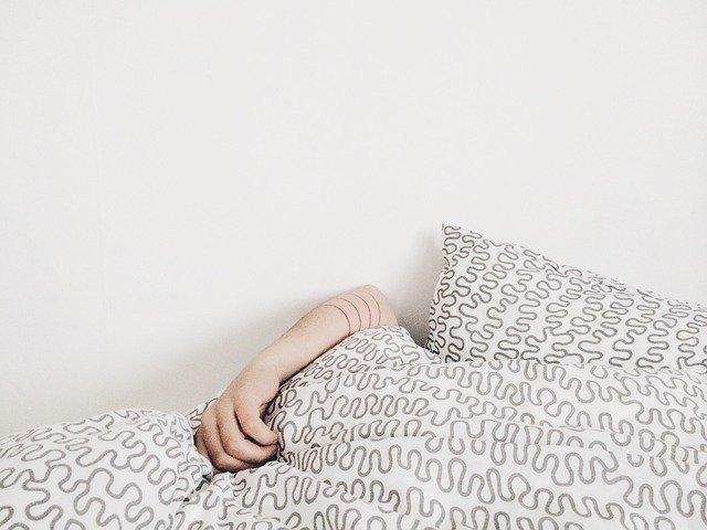 Dormir suffisamment pour enlever les cernes